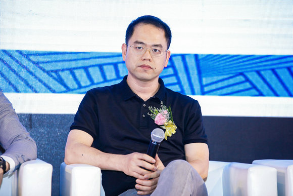 广东志达纺织装饰有限公司常务副总经理吴庆朝