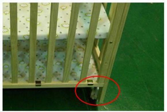有安全隐患的婴儿床