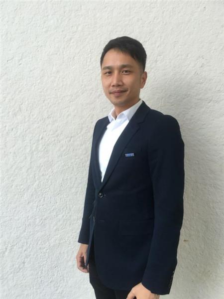 深圳市家具行业协会副秘书长关莹锋