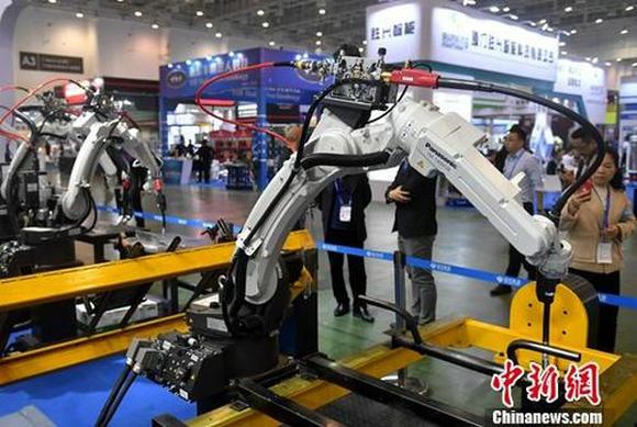 资料图:商家展示工业自动化设备