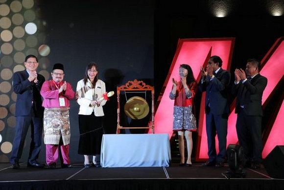 马来西亚原产业部部长YB郭素沁为于3月8日至11日假两个场地(马来西亚国际贸易展览中心MITEC和太子世界贸易中心PWTC)举行的MIFF2019主持开幕。