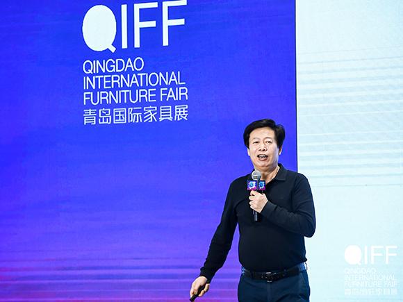03深圳家具研究开发院院长许柏鸣教授发表讲话
