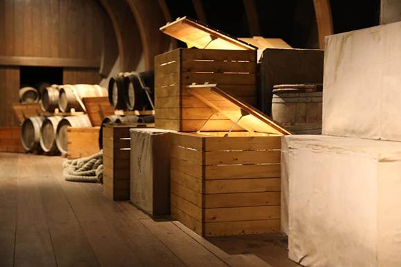 2Crate&Barrel