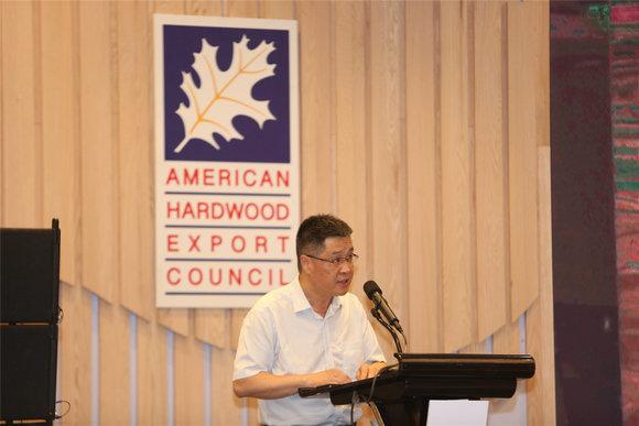 1.宁波市工商业联合会党委副书记、副主席黄林军先生致辞