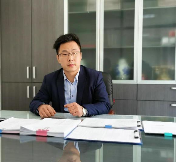 得宝·迪赞尼信息技术部总监张勋接受酷家乐的采访